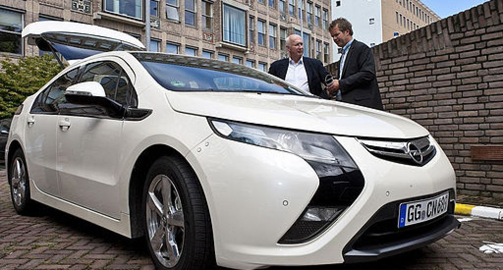 Opel Ampera, elektrische auto met range extender. Foto: wikimedia commons